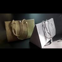 Arany- vagy ezüstglitteres ajándéktáska