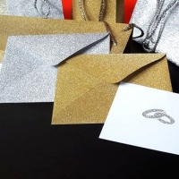 LA4 arany- vagy ezüstglitteres boríték